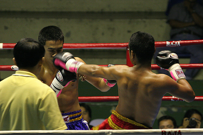 muay_thai_match_in_bangkok_thailand